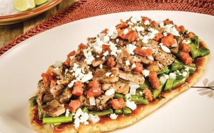 """""""Huaraches"""" de Nopal con Carne"""