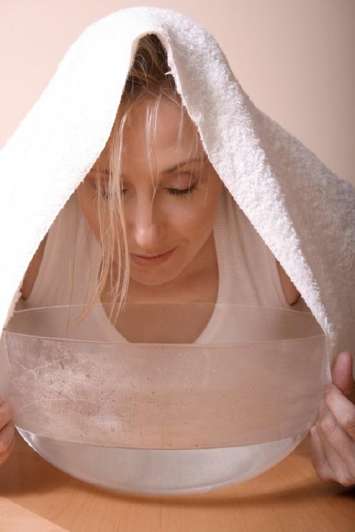 Cómo hacer una limpieza facial en casa paso a paso - Equipo Daphne
