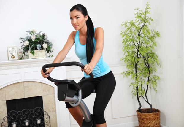 Bicicleta estática o cinta de correr ¿Con cual se pierde más peso?