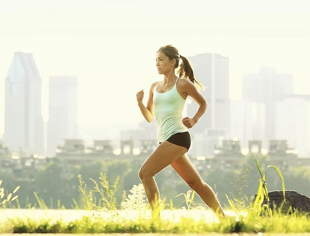 Beneficios de hacer caminatas diarimente