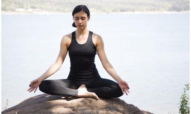 Aprende a respirar mejor practicando yoga
