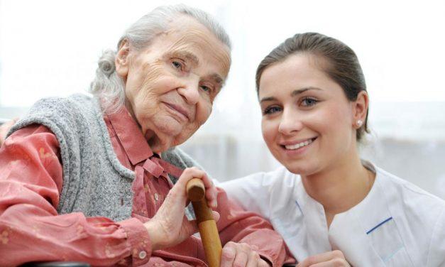 Factores más importantes a la hora de cuidar ancianos a domicilio