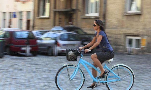 Ir en bicicleta, uno de los deportes más completos para ponerse en forma