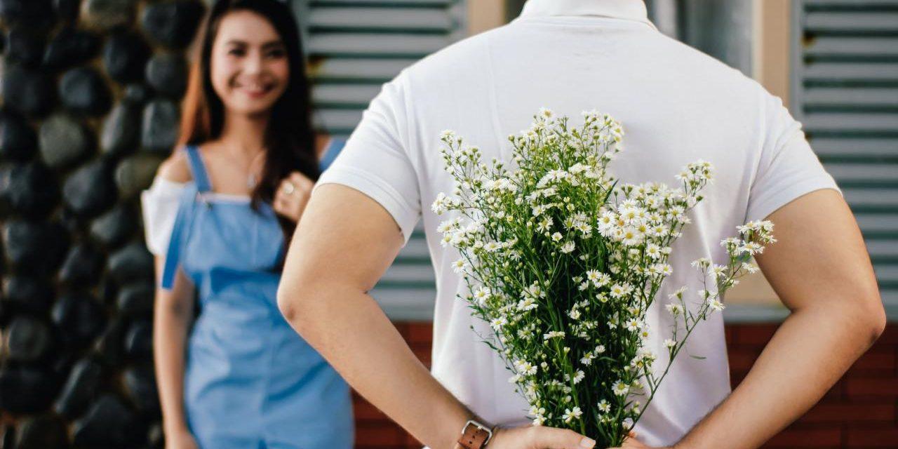 Regalar flores, la guía definitiva (mayormente para chicos)
